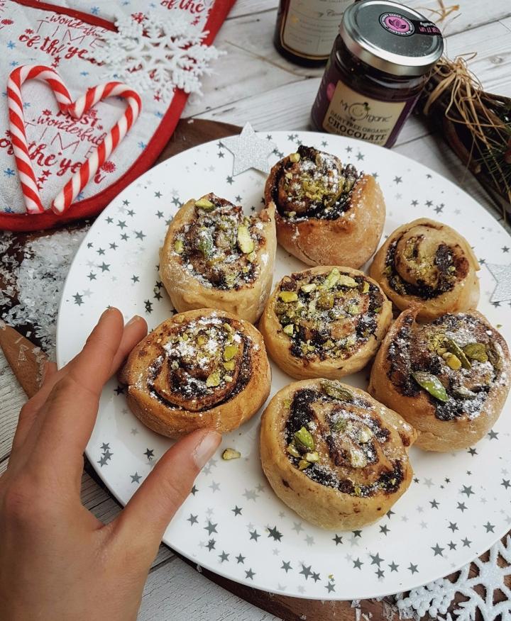 Vegan Swedish Cinnamon Buns with atwist